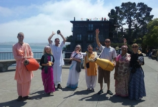 06-on-the-road-sausalito1