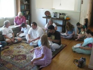 04-Guests came from all over Oregon and even as far as Canada to hear Srila Janardan Maharaj speak