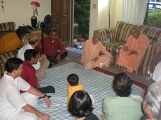 29-Guests at Sridhar Prabhu's home program