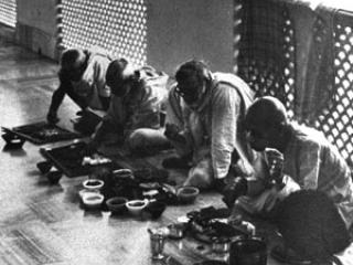 Om Vishnupad Srila Bhakti Rakshak Sridhar Dev-Goswami Maharaj-053
