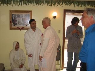 16-ashram-maharaj-sunday-feast