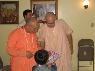 17-ashram-maharaj-sunday-feast