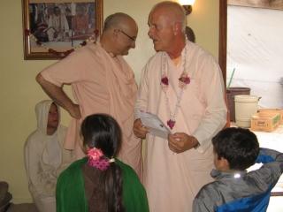 18-ashram-maharaj-sunday-feast