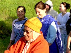 Srila Gurudev and Sanatani Didi