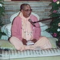 Gurudev on Vyasasan in Soquel