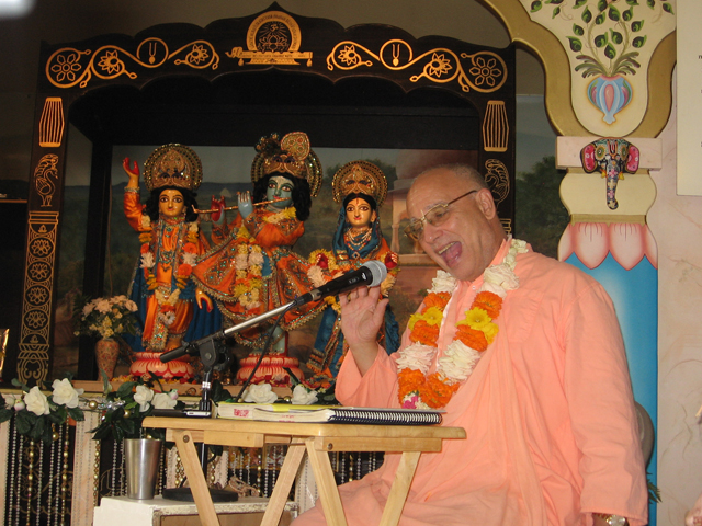 11-bhaktisiddhanta-appearance-2012