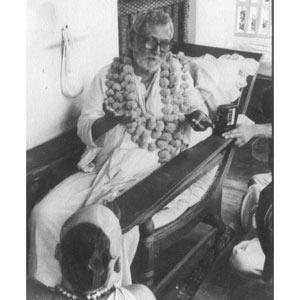 Om Vishnupad Srila Bhakti Rakshak Sridhar Dev-Goswami Maharaj-042