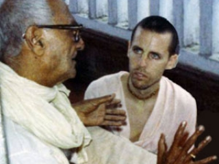 Om Vishnupad Srila Bhakti Rakshak Sridhar Dev-Goswami Maharaj-051