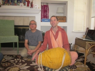 07-travelling-sankirtan-with-tyagi-maharaj.jpg