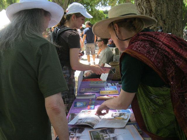 06-whole-earth-festival-2012