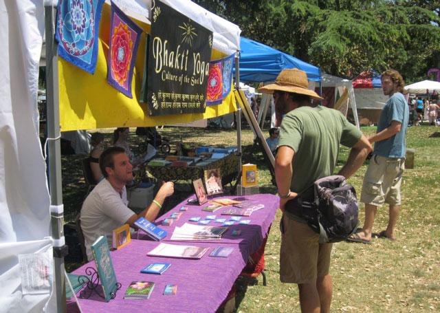 26-whole-earth-festival-2012